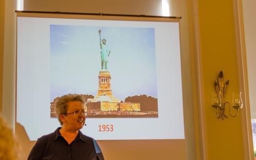 Zonta im Zeitstream; 1919 -2019 ein fulminater Vortrag von Kim Engels