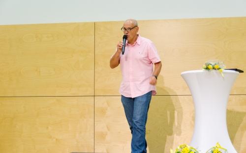 Schuldirektor Carlos Müller