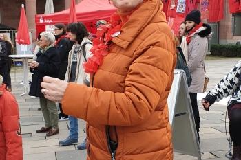Auch Zonta-Präsidentin Bärbel Riemann tanzte mit