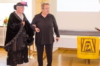 Dr. Jutta Kaestner verkörperte authentisch Zontagründerin Marian de Forest
